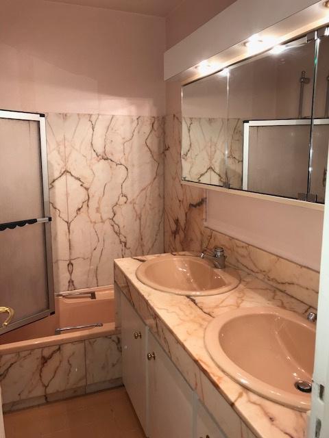 Salle de bains marbre rose et double vasque